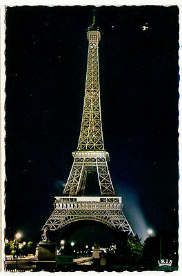 FRANCE Paris - La Tour Eiffel illuminee 1967 Real Photo Postcard