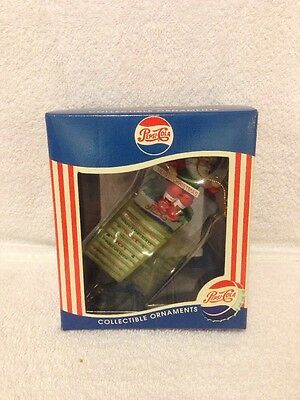 1997 Matrix Pepsi-Cola Collectible Ornament Santa On A Sign