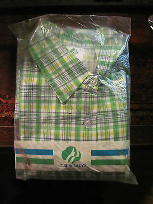 VINTAGE GREEN PLAID GIRL SCOUT BLOUSE WITH SASH, SIZE 11/12