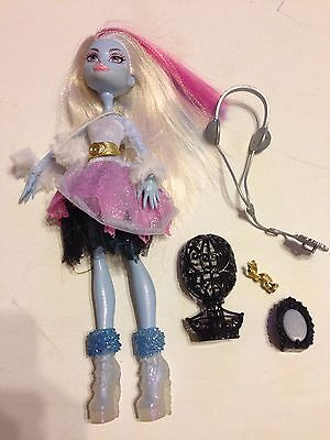 Abbey Bominable Ghouls Rule Monster High Doll