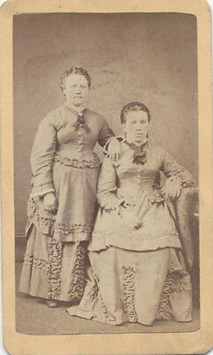 Cdv Portrait Of Two Young Sisters In Beautiful Dresses - Altoona, Pa