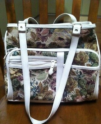 """WOMENS TAPESTRY PURSE BY MIT3i very nice 5 compartments 9 1/2"""" X 11"""""""
