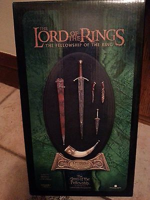 "Lord of the Rings Sideshow WETA ""The Arms of The Fellowship"" Weapons Set (C2)"