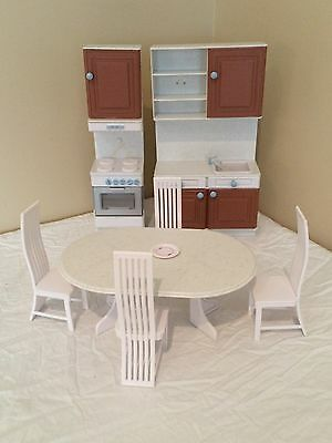 Barbie Kitchen Furniture Dining Room Set Table 4 Chairs for Barbie Doll House *P