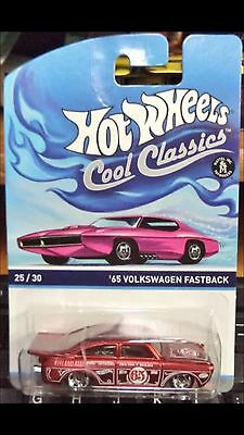2015 HOT WHEELS COOL CLASSICS '65 VOLKSWAGEN FASTBACK 25/30 ON PINK CARD