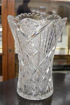 LARGE BEAUTIFUL VINTAGE CUT CRYSTAL VASE - PERFECT FOR BIG BUNCHES OF FLOWERS!