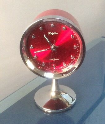 VINTAGE RETRO 1960/70s RHYTHM JAPANESE PEDESTAL BASE ALARM CLOCK RED & SILVER