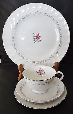 Royal Swirl - Fine China of Japan - 4 Piece Plate Setting New Old Stock