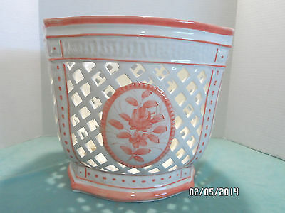 LARGE PORCELAIN WEAVED BASKET PLANTER HAND PAINTED PEACH AND WHITE MADE IN ITALY