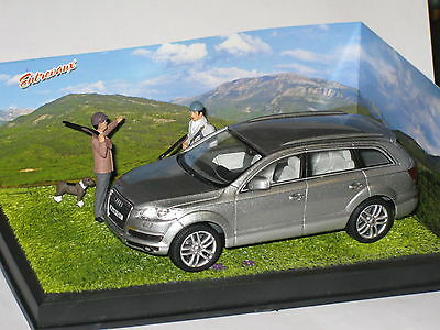 CODE 3 Diorama Audi Q7 in Dark Silver The Shooting Party 1/43rd Scale