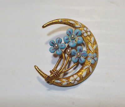 VICTORIAN 14K YELLOW GOLD ENAMEL CRESCENT SHAPED FLOWER PIN WITH SEED PEARLS