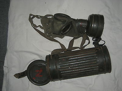 WWII WW2 GERMAN MILITARY ARMY HEER WEHRMACHT GM30 GAS MASK & CARRYING CANISTER