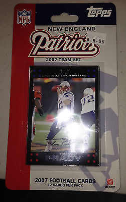 2007 Topps NFL Football Team Set Sealed fot the New England Patiots 12 card Pack