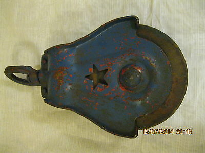 Cast Iron Antique Vintage Pulley Barn Hay Trolley Carrier Starline Star