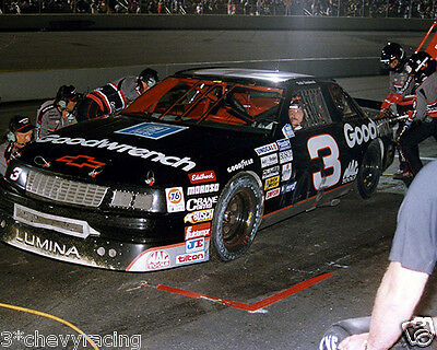 DALE EARNHARDT SR #3 GM GOODWRENCH CHEVY PITSTOP 8X10 GLOSSY PHOTO