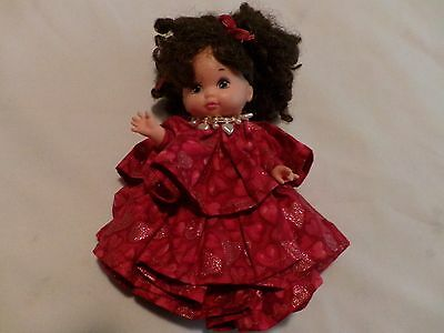 """Mattel 1988 Doll Brown Hair and Beautiful Glittered Hearts Dress Approx 9"""""""