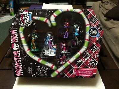 Monster High Scary Cute Howliday Figures Brand New