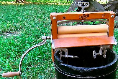Vintage Lovell Manufacturing Company Clothes Wringer Erie, Pa.  Wood & Metal