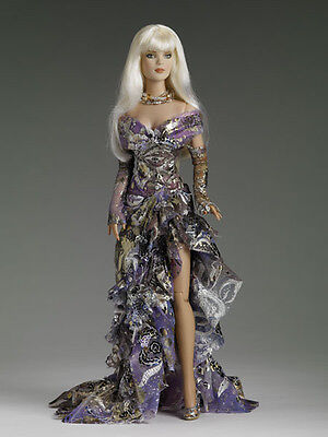 """Tonner Dazzling Tyler Wentworth -16"""" Doll in origional outfit"""