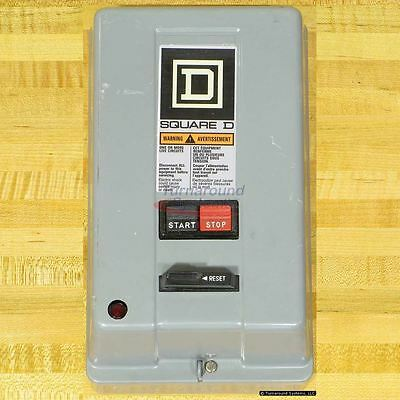 Square D 8536SBG2V02AP1S Starter, Size 0, 120 VAC Coil, Start/Stop Buttons, Used