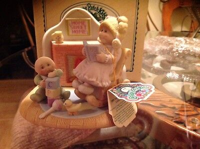 """Cabbage Patch Kids 1985 Fine Porcelain Collection Figurine """"Home Sweet Home"""""""