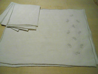 Set of 4 taupe linen napkins and placemats