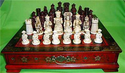Collectibles Vintage 32 chess set with wooden Coffee table #66093