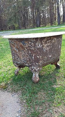 19th Century Claw Foot Bathtub Antique (Rare)