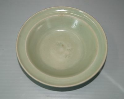 Rare Song dynasty longquan celadon plate with two stamp fish motif