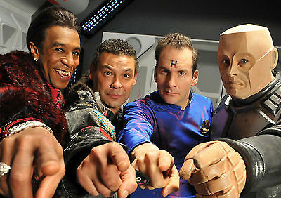 Red Dwarf Tv Show Glossy Wall Art Poster Print (A1 - A5 Sizes)