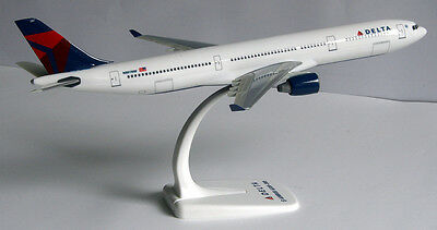 Delta Air Lines Airbus A330-300 1:200 Flugzeug Modell A330 USA NEU Airlines