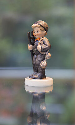 GOEBEL HUMMEL FIGURINE: The Chimney Sweep