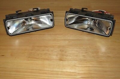 Set of used whelen 500 series halogen alley takedown lights 1000 whelen 500 series halogen takedown alley lights liberty patriot lightbar pair aloadofball Gallery