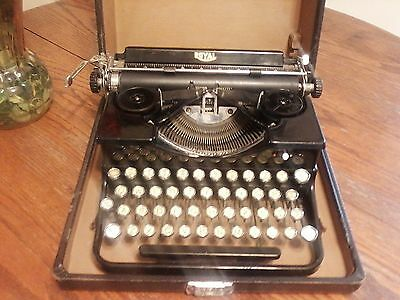 Vintage Pre-War Royal Model 0 Gold Letter Portable Typewriter