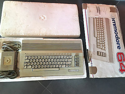 Commodore 64 BOXED Funzionante MADE IN HONG KONG