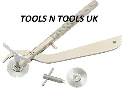 Emergency Saw Finger Ring Cutter Pliers Tool French Style + Extra Blade And Key
