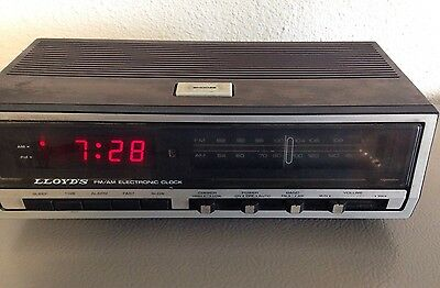 262026958923 in addition Vintage Tube Radio Repair furthermore Telefunken Stereo Console also Toshiba Rp 418 Am Portable Radio Ac Dc Vintage 1980s 262039531400 further 272125634313. on telefunken tube radio repair