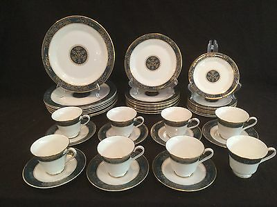 Mint Set Of 8 - 5 Piece Place Settings Of Royal Doulton Carlyle 39 Ps.