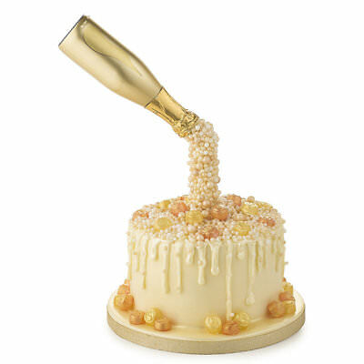 Lakeland Anti-Gravity Pouring Cake Kit