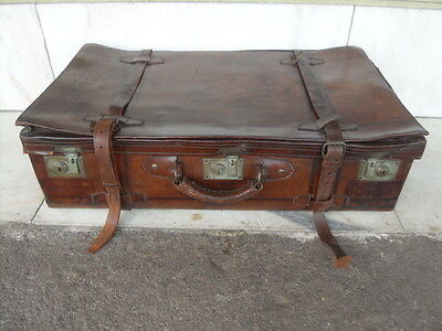 """Vintage Leather Luggage Case /  Trunk / Suitcase  """" Sing Kee & Co. Singapore """""""