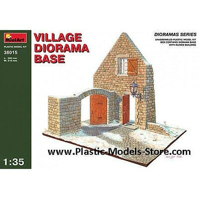 1/35 Village Diorama Base Building Miniart 36015