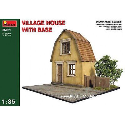 Village House W/base Diorama Building 1/35 Miniart 36031