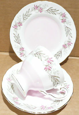 LOVELY TUSCAN TRESCO  PATTERN TRIO  CUP SAUCER and PLATE