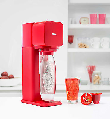 Brand New SodaStream Play Drinks Maker In Red With Gas Canister And 6 Flavours
