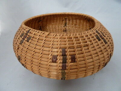 "Native American Weave Basket Bowl Nice Design. Approx 7.25"" Diamter"