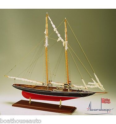 Museum Quality Model boat hand made yacht  - Bluenose 1921 Fishing Schooner