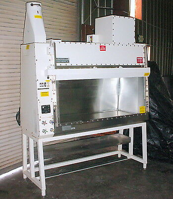 Baker Co. BC-6 BiochemGARD Biological Safety Cabinet Fume Hood Class II B2
