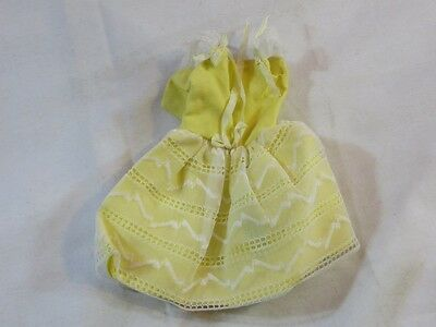 Vintage Original Barbie Skipper #1904 Flower Girl Yellow Dress