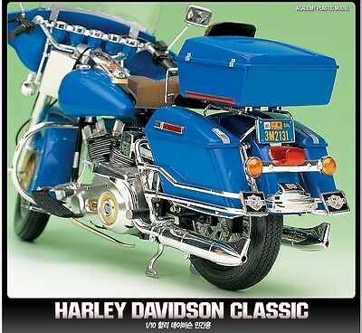 Academy 1/10 Scale Plastic Model Kit Harley Davidson Classic Motorcycle 15501