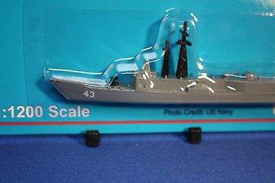 USS THACH FFG 43  OH Perry Class Frigate Triang Minic Ships 1/1250 scale